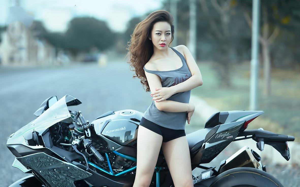 Cung cấp người mẫu model xe hơi