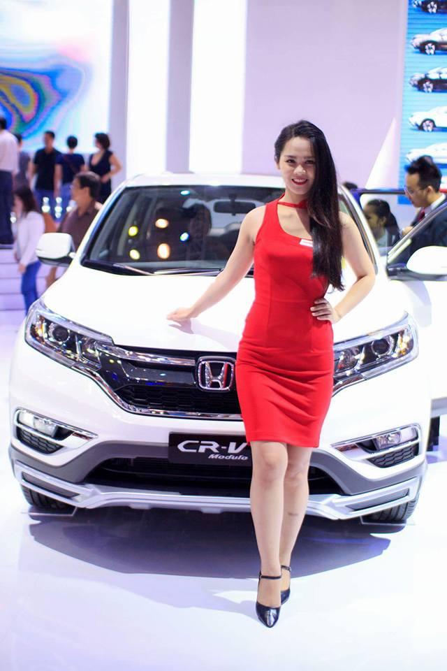 cung-cap-nhan-su-pg-model-nguoi-mau-an-dang
