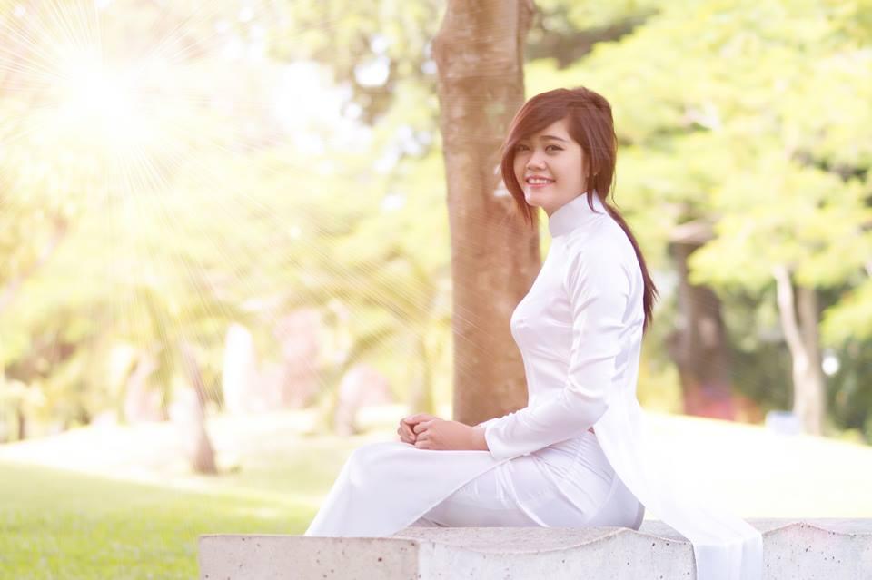 cung-cap-nhan-su-pg-model-nguoi-mau-chau-kim-cuong