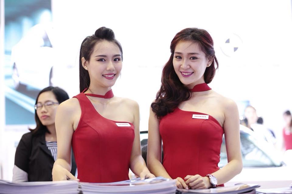 cung-cap-nhan-su-pg-model-nguoi-mau-ha-linh