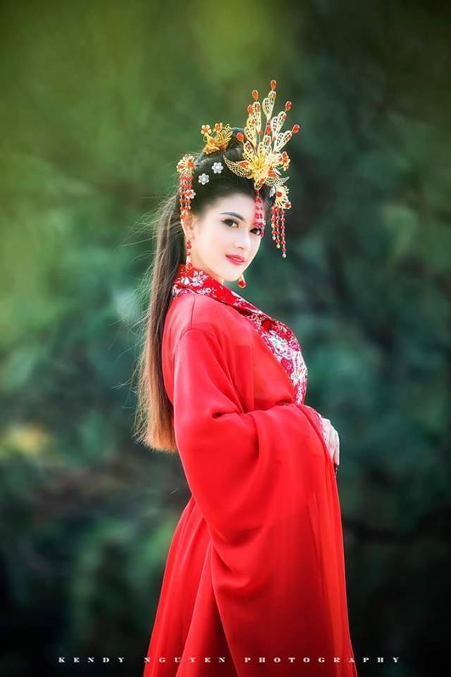 cung-cap-nhan-su-pg-model-nguoi-mau-luong-diem (1)