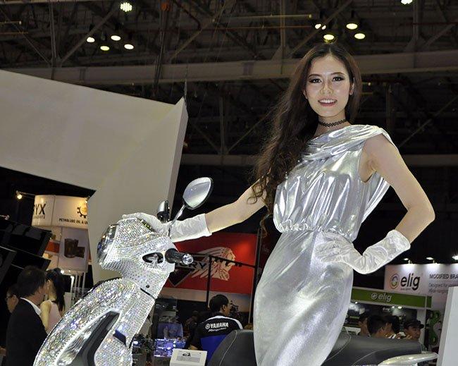 Mỹ nhân tại triển lãm mô tô xe máy việt nam