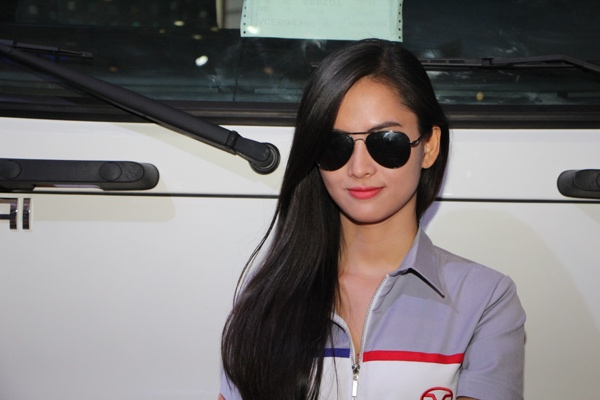 Người mẫu khoe sắc tại Vietnam Motor Show 2015